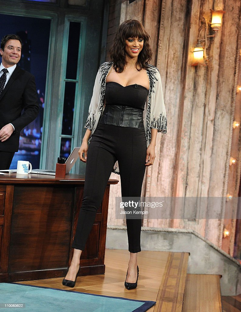 Host jimmy fallon and television personality tyra banks visit late