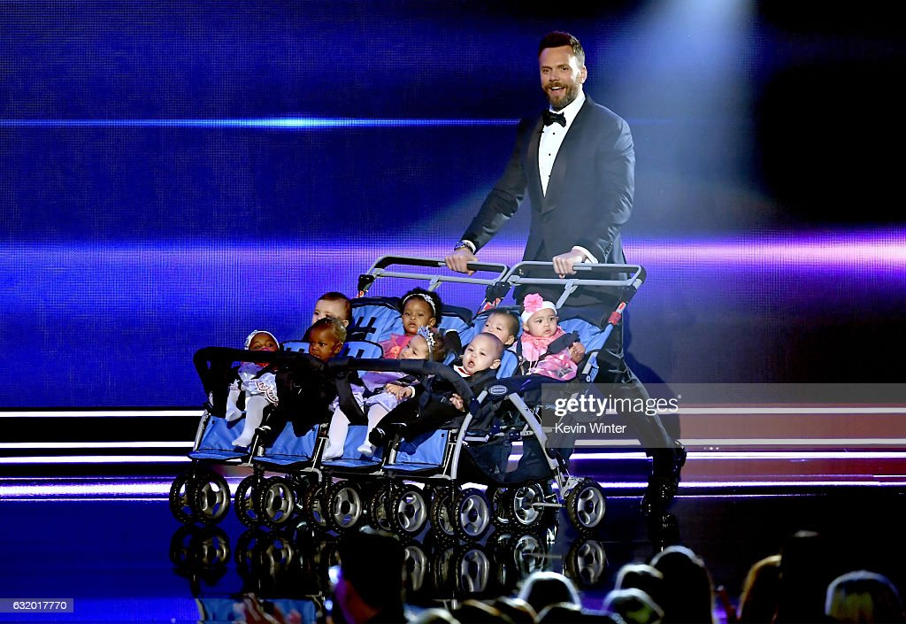 host-joel-mchale-speaks-onstage-during-the-peoples-choice-awards-2017-picture-id632017770