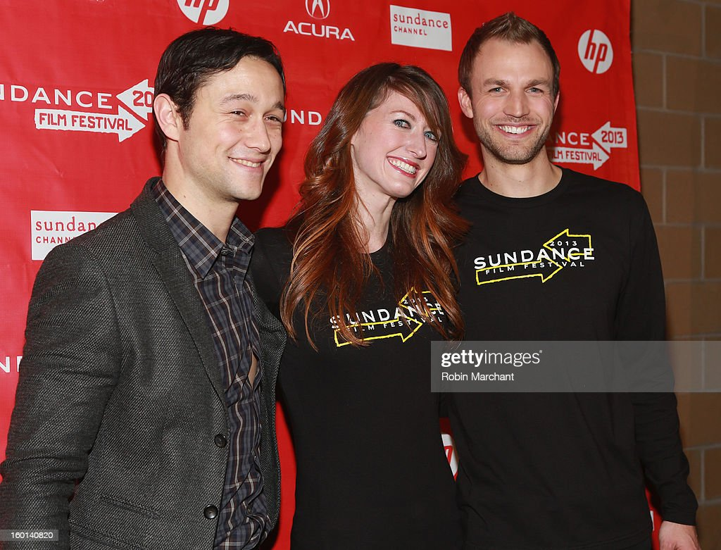 Host Joseph Gordon-Levitt poses with volunteers at the Awards Night Ceremony during the 2013 Sundance Film Festival at Basin Recreation Field House on January 26, 2013 in Park City, Utah.
