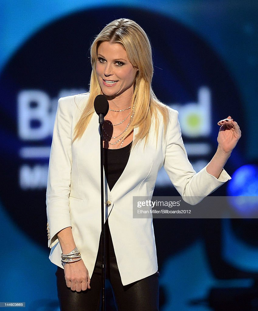 Host <a gi-track='captionPersonalityLinkClicked' href=/galleries/search?phrase=Julie+Bowen&family=editorial&specificpeople=244057 ng-click='$event.stopPropagation()'>Julie Bowen</a> speaks onstage onstage at the 2012 Billboard Music Awards held at the MGM Grand Garden Arena on May 20, 2012 in Las Vegas, Nevada.