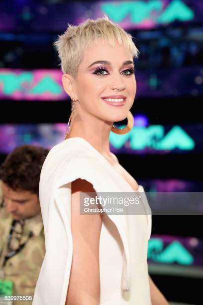 Host Katy Perry attends the 2017 MTV Video Music Awards at The Forum on August 27 2017 in Inglewood California