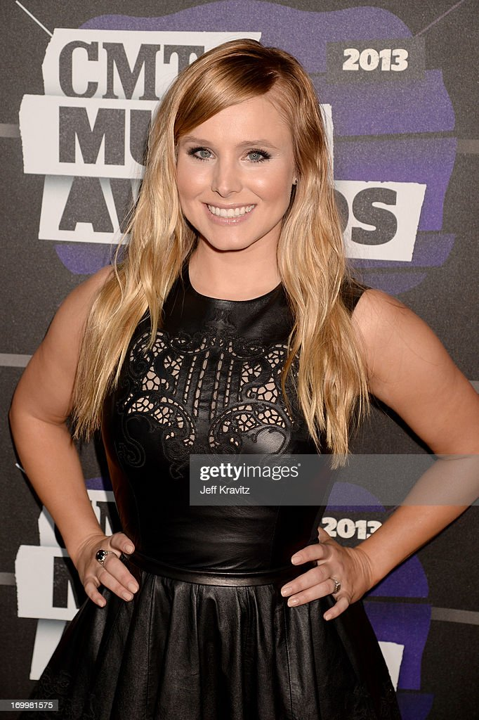 Host <a gi-track='captionPersonalityLinkClicked' href=/galleries/search?phrase=Kristen+Bell&family=editorial&specificpeople=194764 ng-click='$event.stopPropagation()'>Kristen Bell</a> arrives at the 2013 CMT Music Awards at the Bridgestone Arena on June 5, 2013 in Nashville, Tennessee.