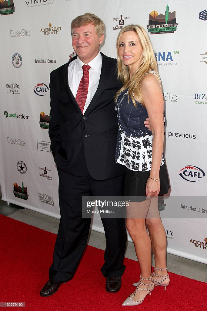 Host leigh steinberg l and tv personality camille grammer attend the