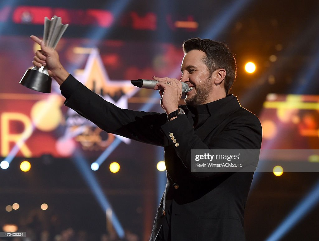 50th academy of country music awards roaming show for Academy of country music award for video of the year