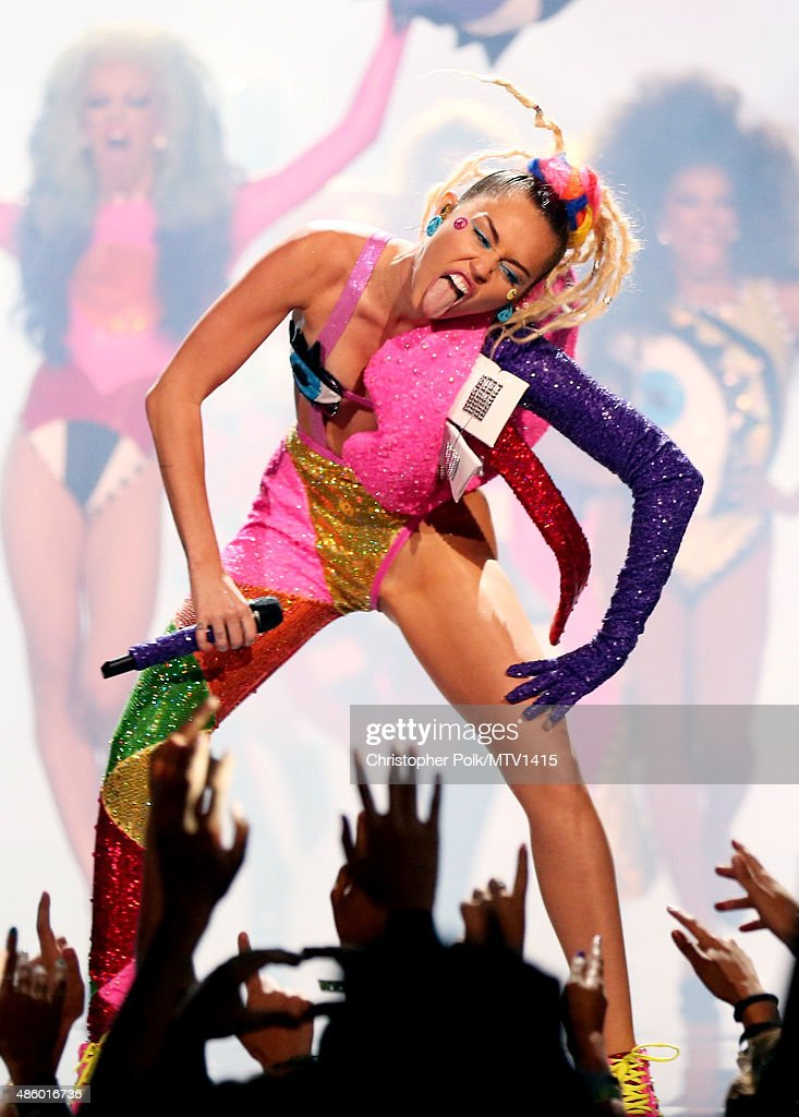 Host <a gi-track='captionPersonalityLinkClicked' href=/galleries/search?phrase=Miley+Cyrus&family=editorial&specificpeople=3973523 ng-click='$event.stopPropagation()'>Miley Cyrus</a>, styled by Simone Harouche, performs onstage during the 2015 MTV Video Music Awards at Microsoft Theater on August 30, 2015 in Los Angeles, California.