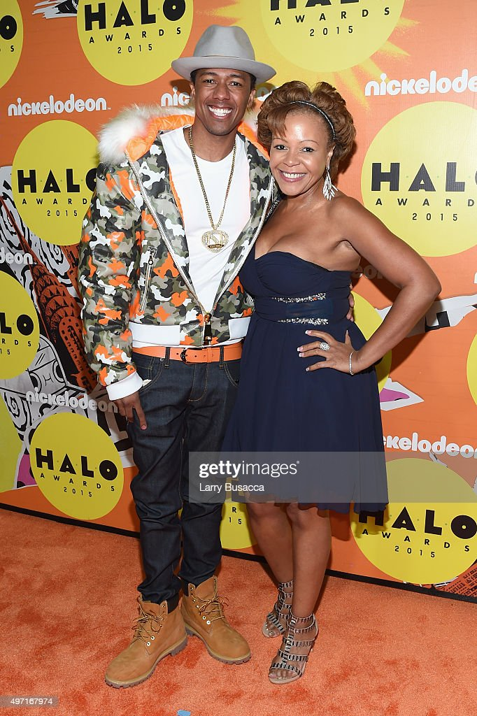 Host Nick Cannon (L) and mother Beth Gardner attend the 2015 Nickelodeon HALO Awards at Pier 36 on November 14, 2015 in New York City.