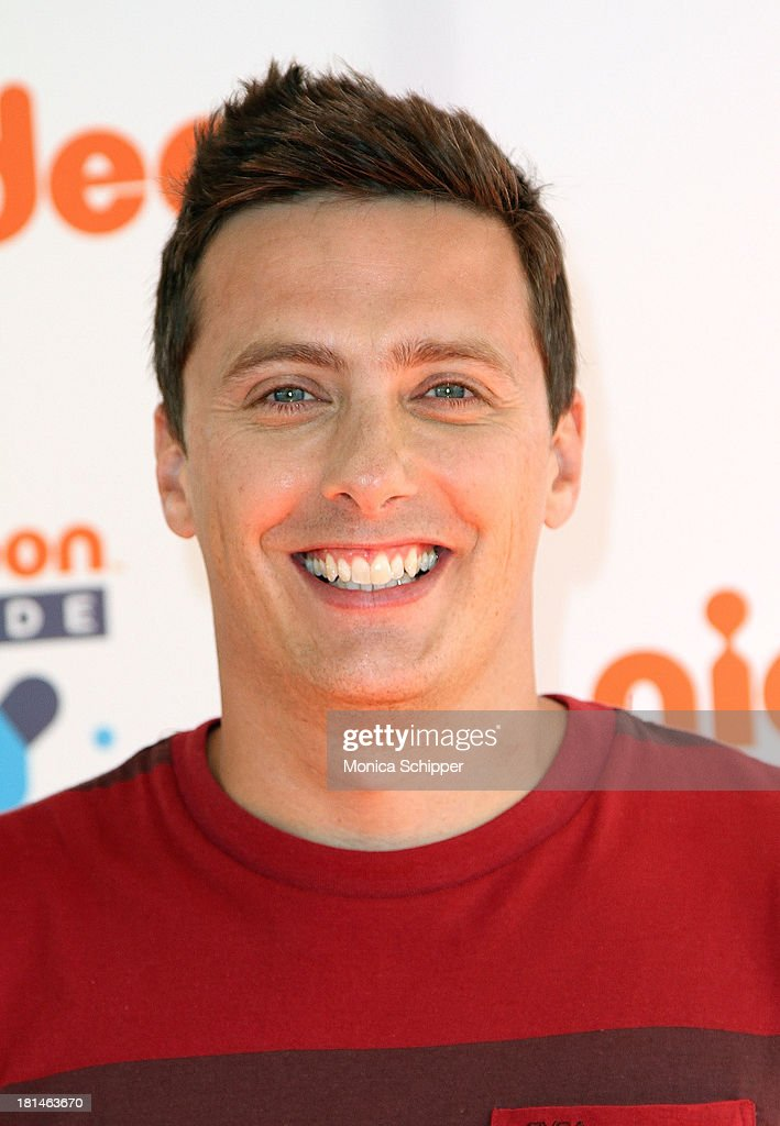 Host of the Nickelodeon game show Figure it Out <a gi-track='captionPersonalityLinkClicked' href=/galleries/search?phrase=Jeff+Sutphen&family=editorial&specificpeople=7210607 ng-click='$event.stopPropagation()'>Jeff Sutphen</a> attends Worldwide Day of Play 2013 at the Nethermead at Prospect Park on September 21, 2013 in Brooklyn, New York.