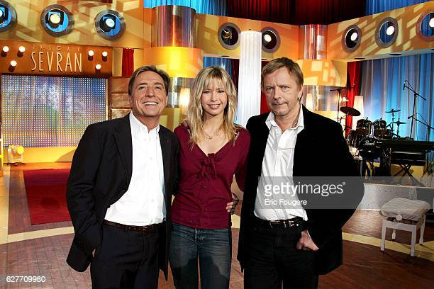 TV host Pascal Sevran with singers Romane Serda and her husband Renaud on the set of the TV show 'Chanter La Vie'