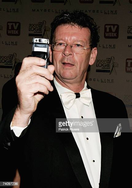 TV host Red Symons arrives at the 2007 TV Week Logie Awards at the Crown Casino on May 6 2007 in Melbourne Australia The annual television awards...