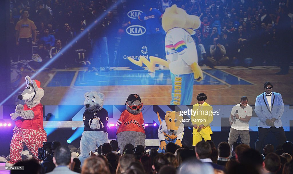 Host Shaquille O'Neal (R) and mascotts onstage at the Third Annual Hall of Game Awards hosted by Cartoon Network at Barker Hangar on February 9, 2013 in Santa Monica, California. 23270_003_JK_0777.JPG