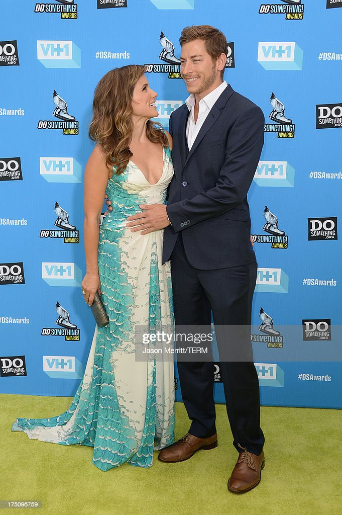 Host <a gi-track='captionPersonalityLinkClicked' href=/galleries/search?phrase=Sophia+Bush&family=editorial&specificpeople=203180 ng-click='$event.stopPropagation()'>Sophia Bush</a> (L) and Google executive Dan Fredinburg arrive at the DoSomething.org and VH1's 2013 Do Something Awards at Avalon on July 31, 2013 in Hollywood, California.