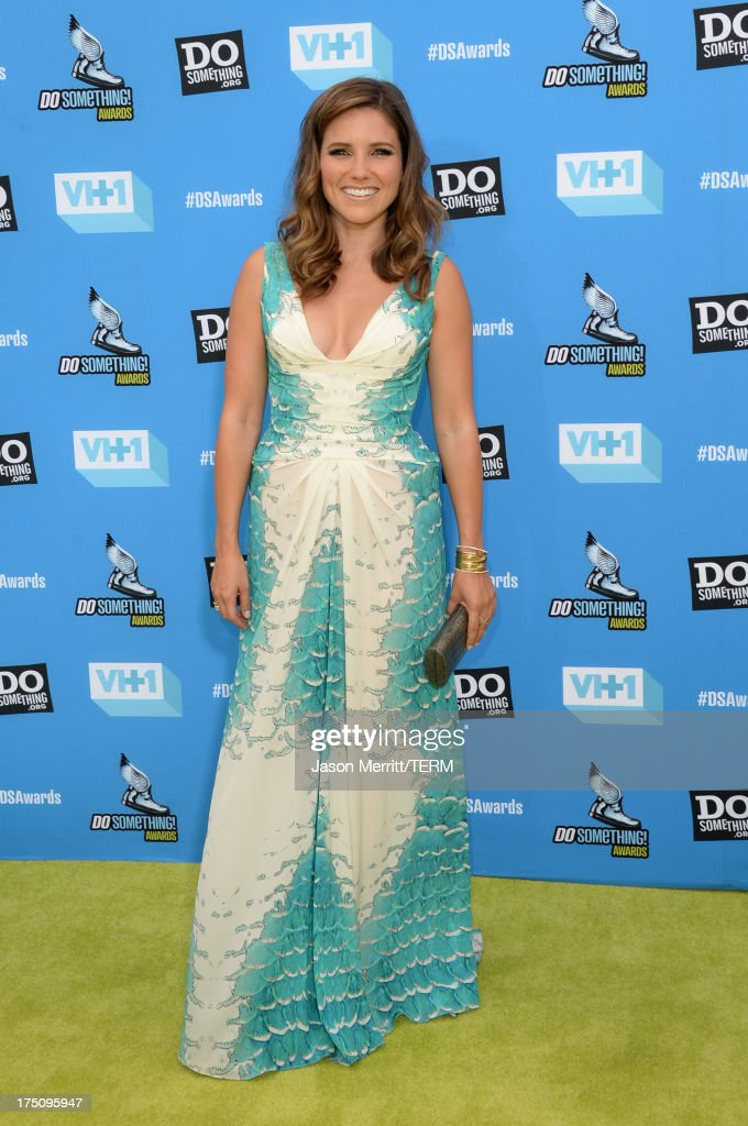 Host <a gi-track='captionPersonalityLinkClicked' href=/galleries/search?phrase=Sophia+Bush&family=editorial&specificpeople=203180 ng-click='$event.stopPropagation()'>Sophia Bush</a> arrives at the DoSomething.org and VH1's 2013 Do Something Awards at Avalon on July 31, 2013 in Hollywood, California.