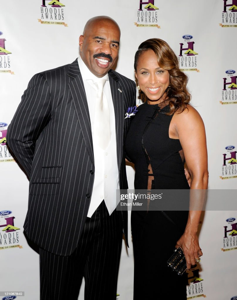 Host <a gi-track='captionPersonalityLinkClicked' href=/galleries/search?phrase=Steve+Harvey&family=editorial&specificpeople=210865 ng-click='$event.stopPropagation()'>Steve Harvey</a> (L) and wife Marjorie Harvey arrive at the ninth annual Ford Hoodie Awards at the Mandalay Bay Events Center August 13, 2011 in Las Vegas, Nevada.