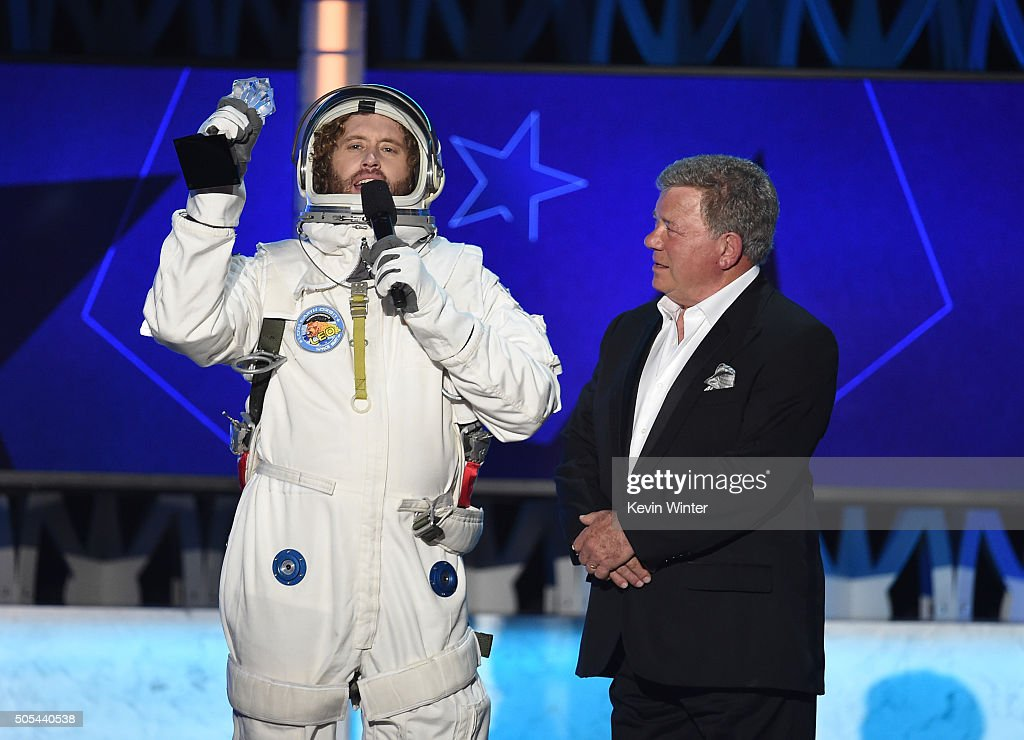 Host T.J. Miller (L) and actor William Shatner speak onstage during the 21st Annual Critics' Choice Awards at Barker Hangar on January 17, 2016 in Santa Monica, California.