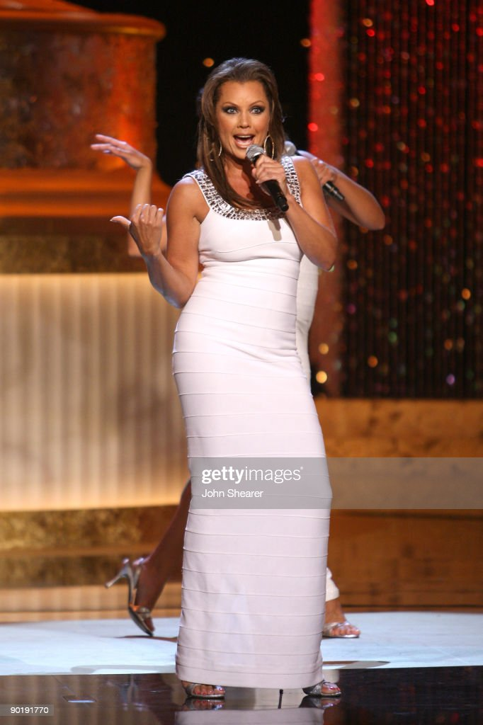 Host Vanessa Williams (C) performs during the 36th Annual Daytime Emmy Awards at The Orpheum Theatre on August 30, 2009 in Los Angeles, California.