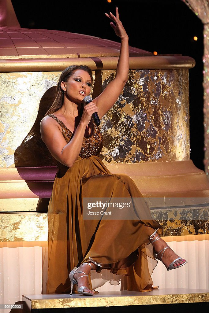 Host Vanessa Williams performs onstage at the 36th Annual Daytime Emmy Awards at The Orpheum Theatre on August 30, 2009 in Los Angeles, California.