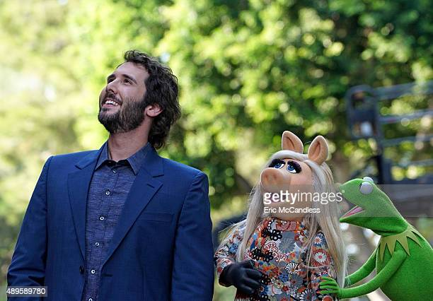 THE MUPPETS 'Hostile Makeover' In an attempt to make Miss Piggy happy Kermit sets her up with Josh Groban who fills her head with ideas on how to...