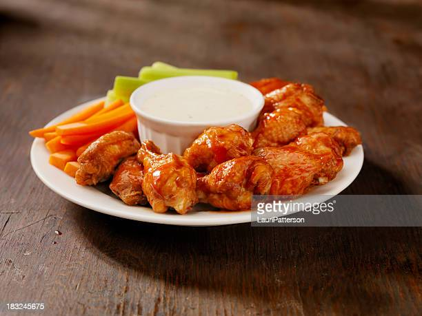 Un plat chaud ailes de poulet