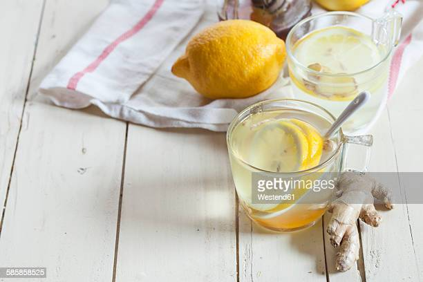 how to make hot lemon honey and ginger drink