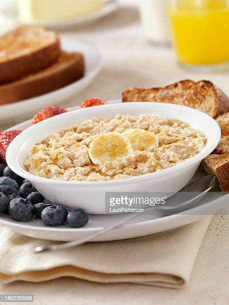 Hot Oatmeal with Bananas