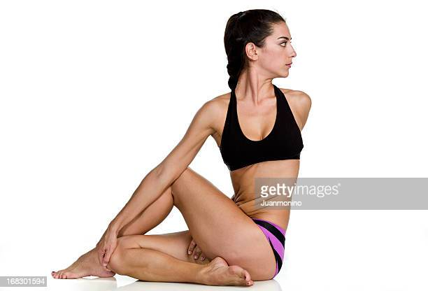 Heißes yoga-pose: Drehsitz