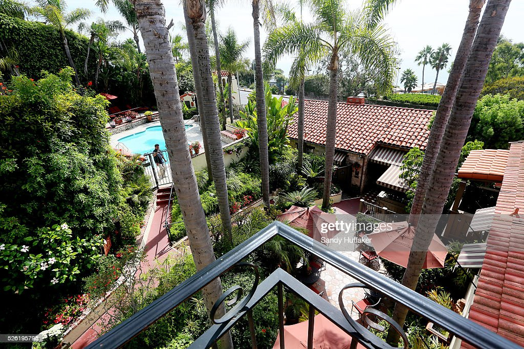 Hotel balcony overlooking the casa laguna inn in laguna for Balcony overlooking city
