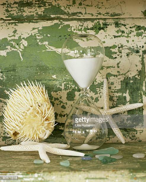 Hourglass and starfish