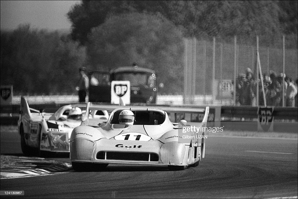 24 hours of Mans in Le Mans France on June 15 1975 Gulf Research Racing Co Gulf Mirage GR8 Ford Cosworth DFV Derek Bell