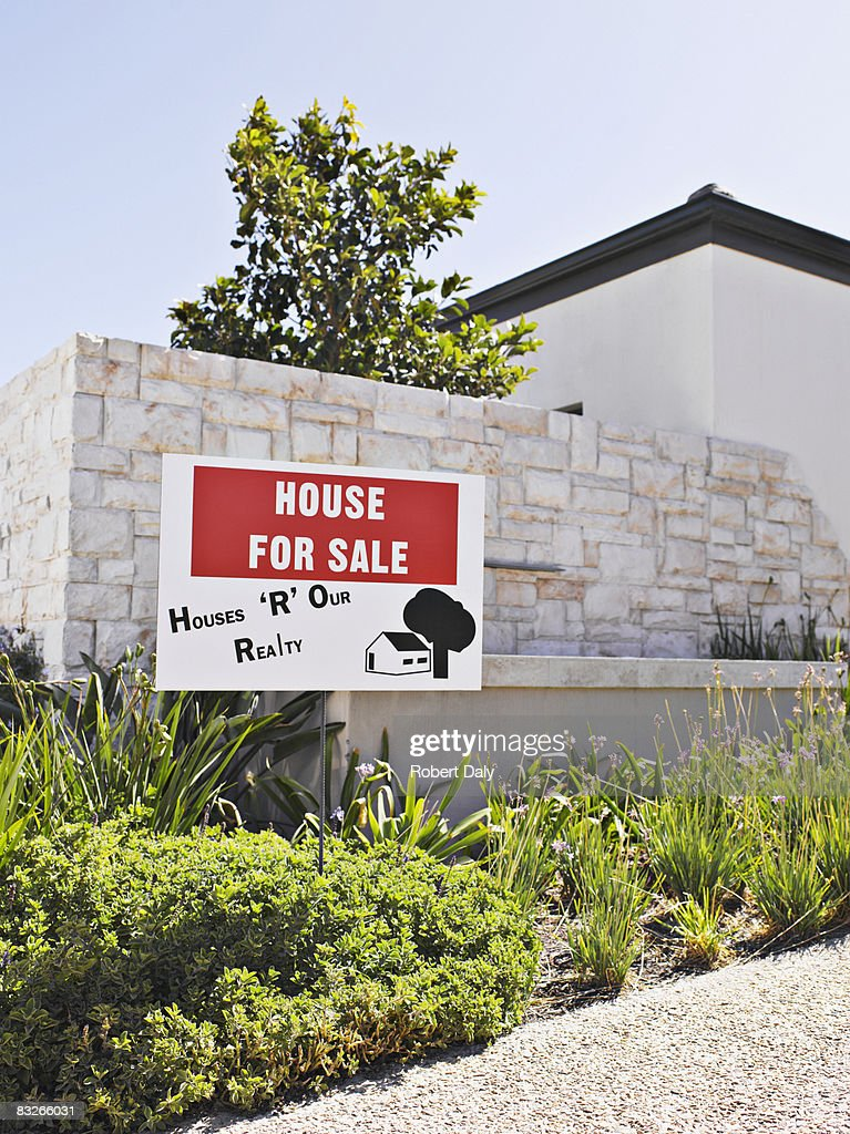 House for sale sign : Stock Photo