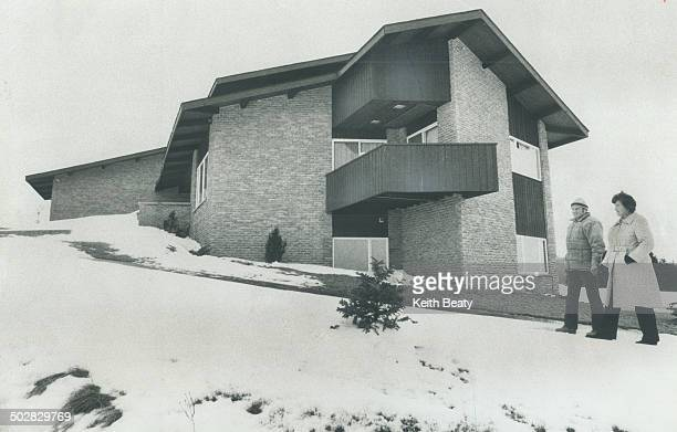 Uxbridge ontario stock photos and pictures getty images for Average house floor area