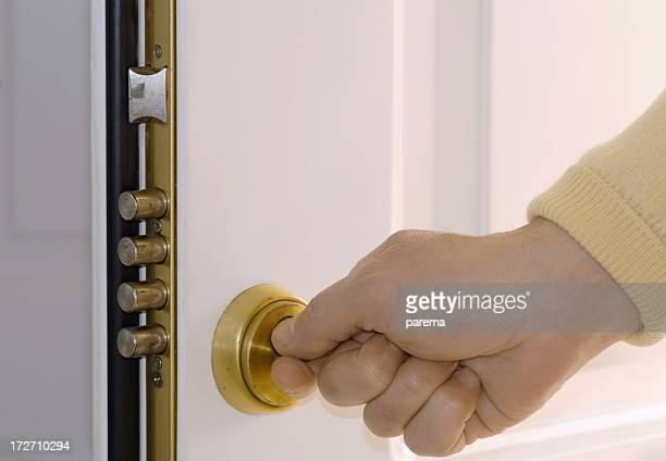 House frontdoor geöffnet