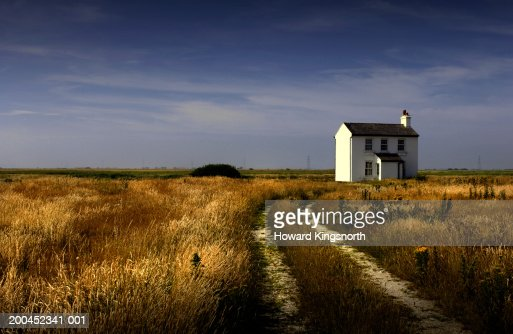 House in countryside : Stock-Foto