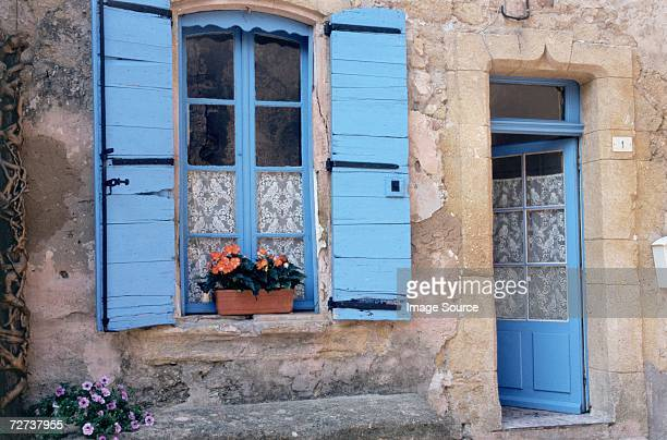 House in the village of Lauris in Luberon