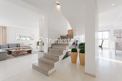 Int rieur de la maison dans un style minimaliste photo for Maison style minimaliste