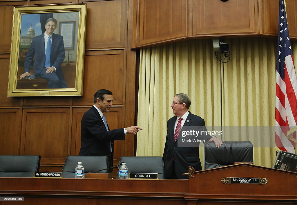 House Judiciary Committee Chairman Bob Goodlatte (R-VA), (R), talks with Rep. Darrell Issa (R-CA) before the start of a House Judiciary Committee on Capitol Hill, May 24, 2016 in Washington, DC. The committee was examining the allegations of misconduct against IRS Commissioner John Koskinen.