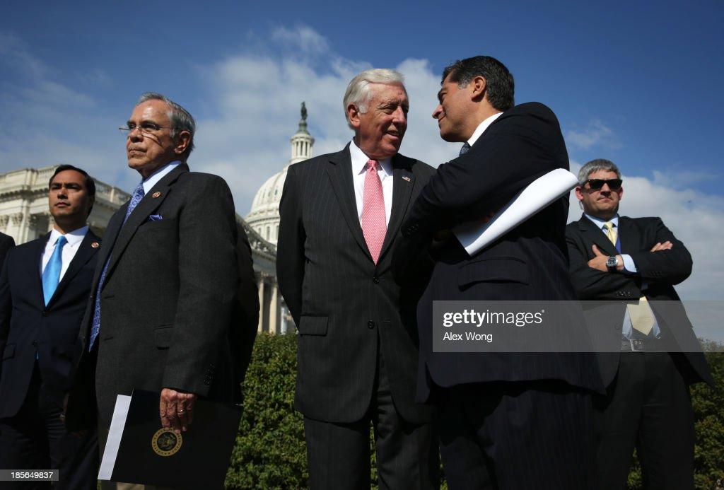 House Democrats, Congressional Hispanic Caucus Discuss Immigration Reform