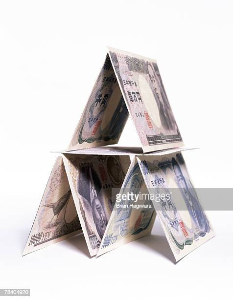 House of cards made of yen