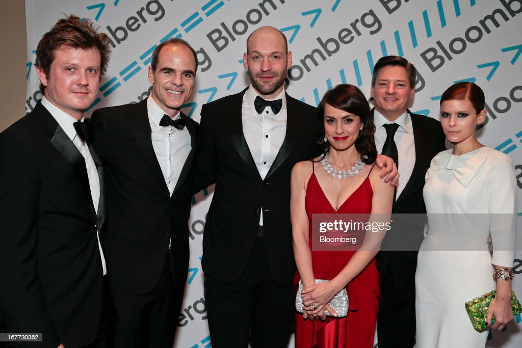 House of Cards Screenwriter <a gi-track='captionPersonalityLinkClicked' href=/galleries/search?phrase=Beau+Willimon&family=editorial&specificpeople=5602661 ng-click='$event.stopPropagation()'>Beau Willimon</a>, left to right, actors Michael Kelly, Corey Stoll, <a gi-track='captionPersonalityLinkClicked' href=/galleries/search?phrase=Constance+Zimmer&family=editorial&specificpeople=217359 ng-click='$event.stopPropagation()'>Constance Zimmer</a>, <a gi-track='captionPersonalityLinkClicked' href=/galleries/search?phrase=Ted+Sarandos&family=editorial&specificpeople=2137714 ng-click='$event.stopPropagation()'>Ted Sarandos</a>, chief content officer for Netflix Inc., and actress <a gi-track='captionPersonalityLinkClicked' href=/galleries/search?phrase=Kate+Mara&family=editorial&specificpeople=544680 ng-click='$event.stopPropagation()'>Kate Mara</a> attend the Bloomberg cocktail party before the White House Correspondents' Association (WHCA) dinner in Washington, D.C., U.S., on Saturday, April 27, 2013. The 99th annual dinner raises money for WHCA scholarships and honors the recipients of the organization's journalism awards. Photographer: Andrew Harrer/Bloomberg via Getty Images