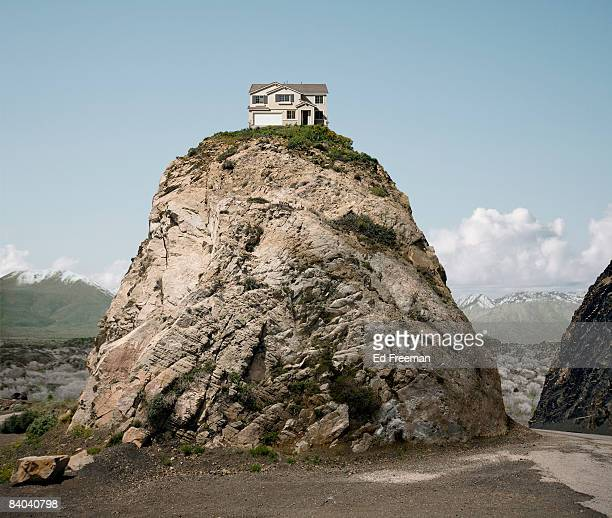Casa isolamento foto e immagini stock getty images for Cost to build a house in little rock