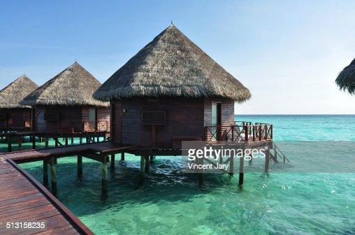 Maison sur pilotis photos et images de collection getty - Maison sur pilotis maldives ...