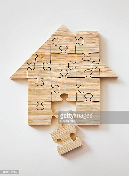 House shaped wooden puzzle