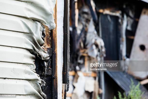 Haus Wand aus geschmolzenem von Feuer