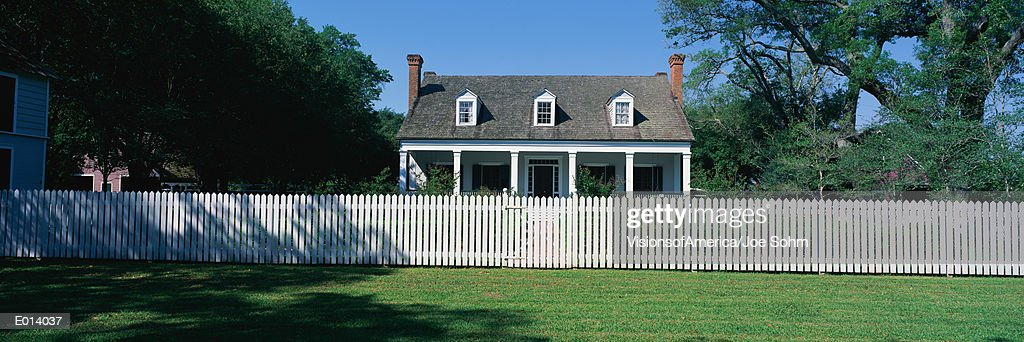 House With a White Picket Fence, Louisiana