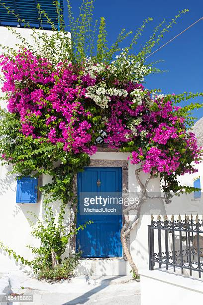 Casa con buganvillea, Santorini