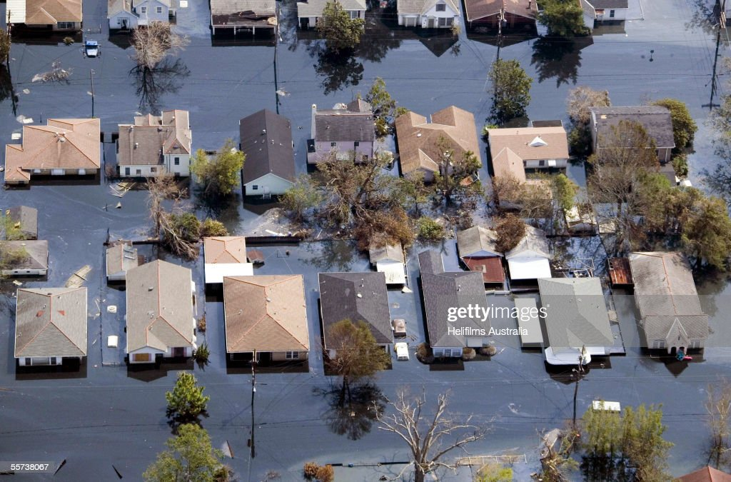 Houses lie flooded from Hurricane Katrina September 11 ...