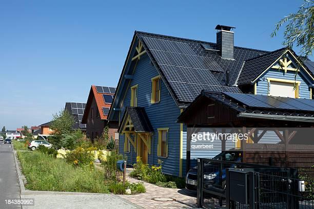 Maisons avec des panneaux solaires