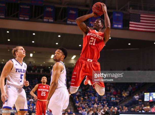Houston Cougars Guard Damyean Dotson stops and elevates for the jump shot during the AAC Mens basketball game between the Houston Cougars and the...