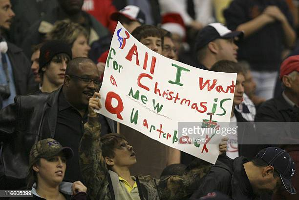 Houston fans still not sure as to whether David Carr can lead the Texans The Texans defeated the Colts 2724 Dec 24 2006 in Houston Texas