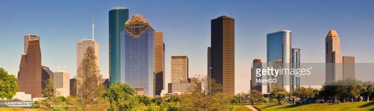 Houston Skyline do centro da cidade de Arranha-céu vista de Bayou Park