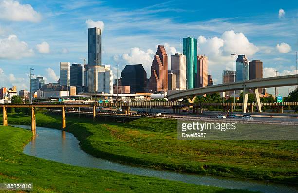 skyline de Houston, freeway, e Rio